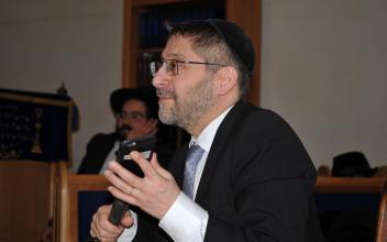 Le Grand Rabbin de France Haïm KORSIA à la synagogue de RENNES 18 mars 2018